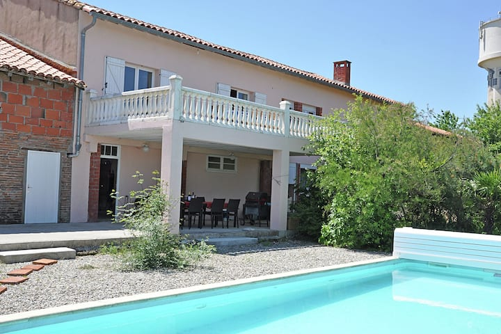 Villa with heated swimming pool and spectacular view in diverse surroundings