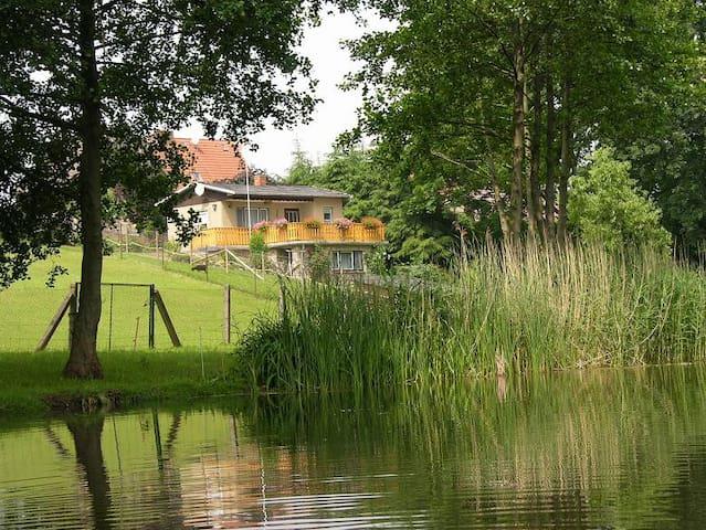 Bungalow in idyllischer, ruhiger Lage am Wasser