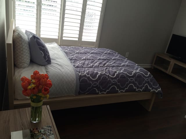 Private Room and Bath in Mira Mesa