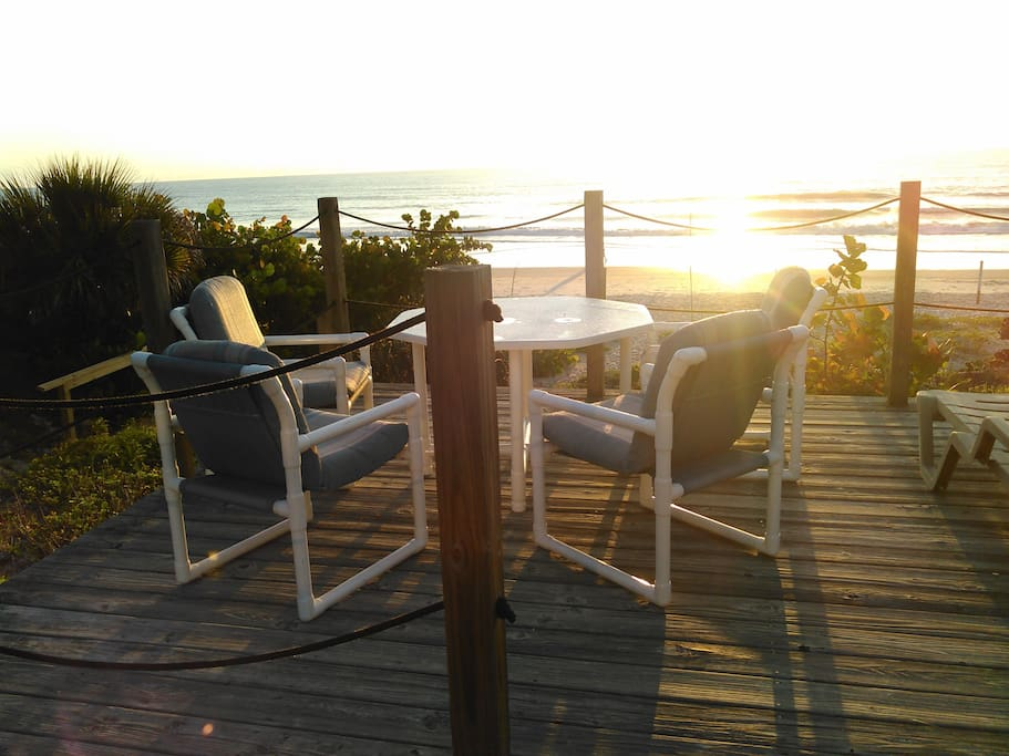 Enjoy the early morning sunrise. Steps to the beach, Morning walk to pick up shells