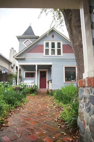 Charming Downtown Historic Home - Morgan Hill - Casa