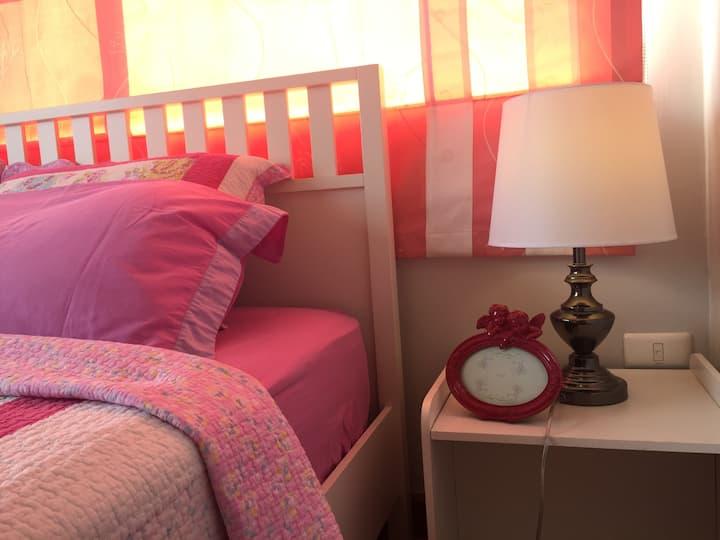 House Bang pra Sriracha  King size bed free wifi