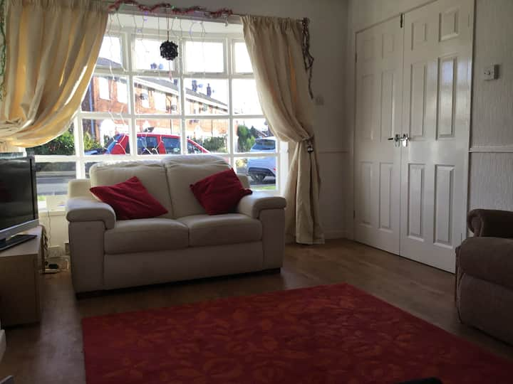 Comfortable small double room. Westhoughton