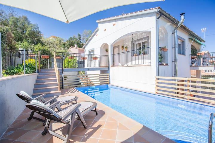 Preciosa villa con piscina privada, Lloret de Mar - Lloret de Mar