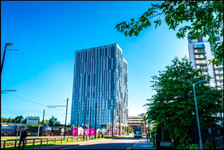 Modern 1BR apartment in Media city Salford Quays