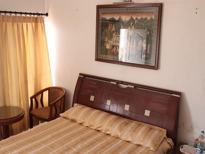 Vibrant 2 BHK Homestay Bang on Beach