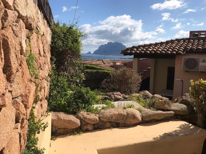 Intera Villa con splendida vista sulla Tavolara