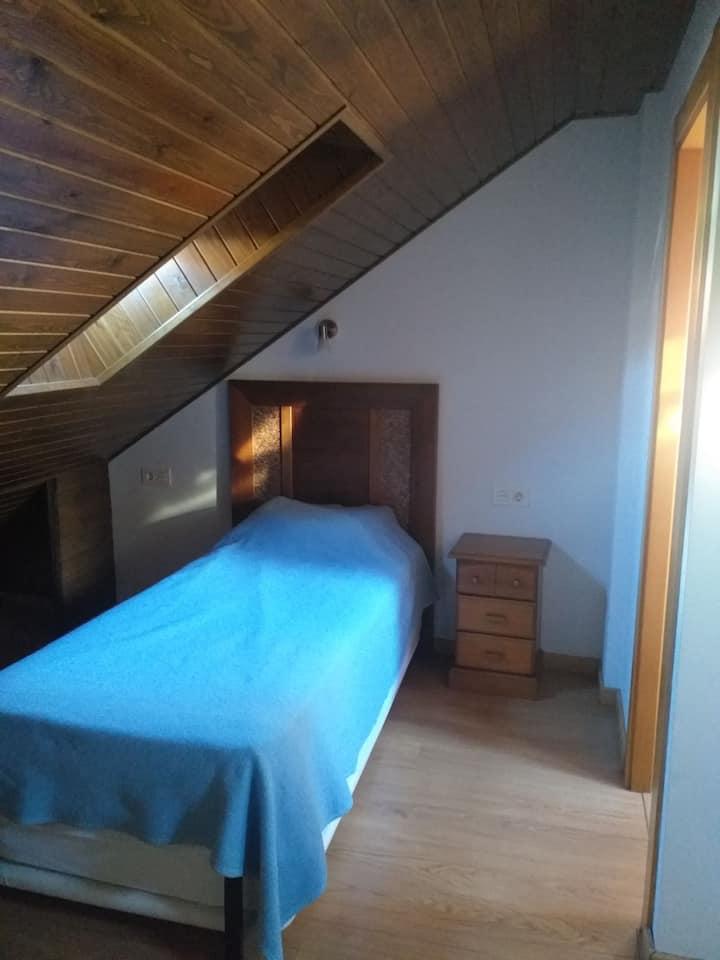 Sallent de Gallego - habitación con baño privado