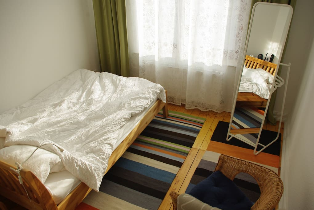 Double bed (140 cm)