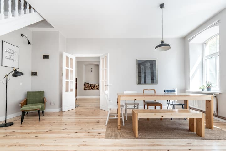 Spacious and bright apartment in Vilnius old town