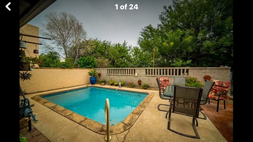 Southwestern Cute Home  with your own pool !