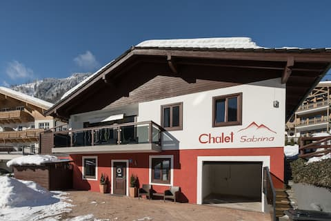 Cosy Chalet in Kaprun with Infrared Sauna near Zell am See