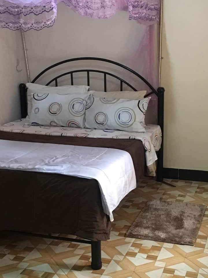 Spacious room > 5km from city center