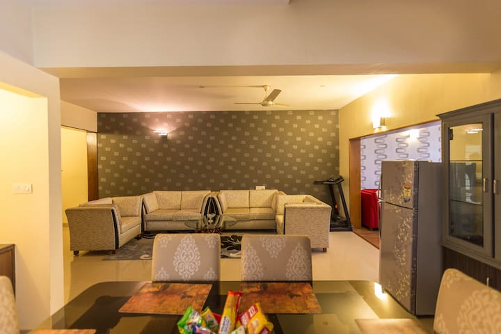 Service Apartment with Car n Driver - Bangalore - Appartamento