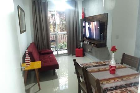 Excelente Apartamento na Baixada de 2 qts seg24h