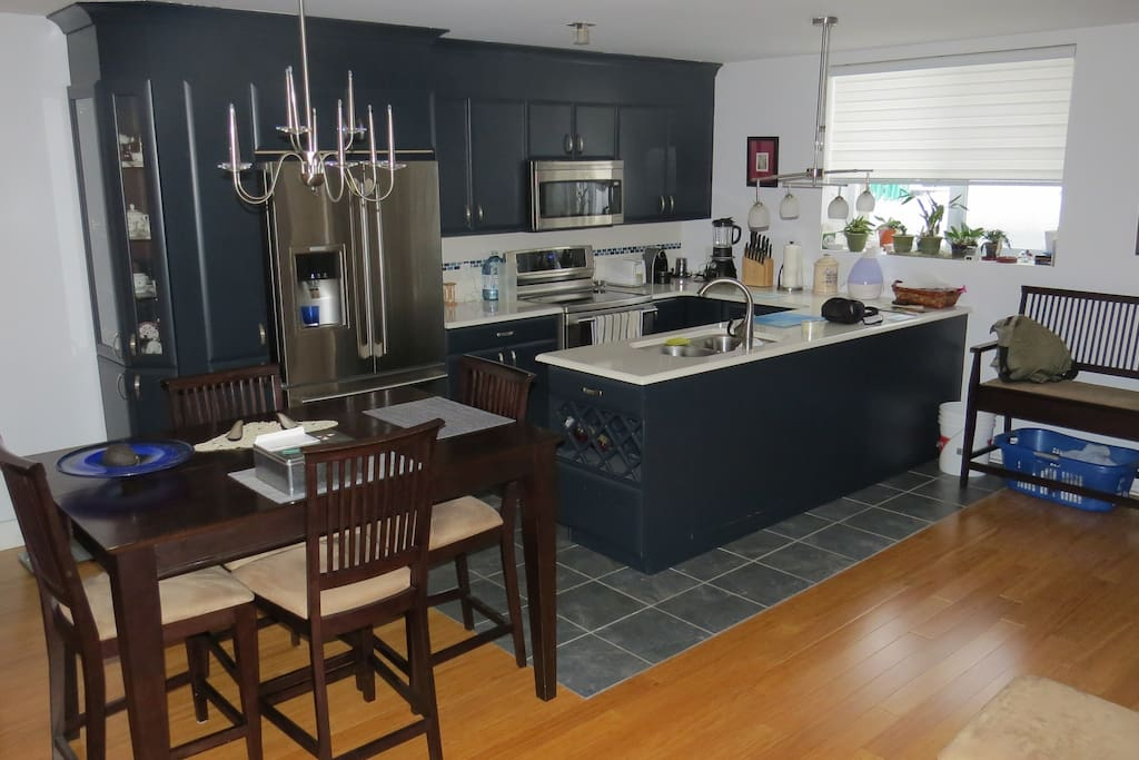 Shared kitchen and dining part