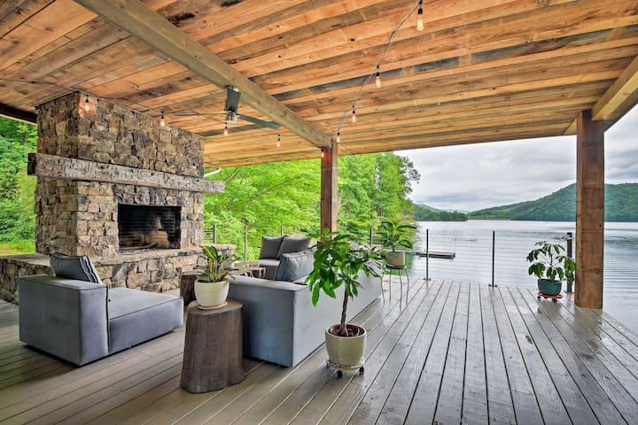 Luxurious Nantahala Lake House w/ Private Dock!