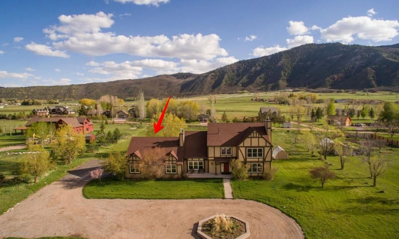 Basalt 1 Bed Apt with views (25 minutes to Aspen)