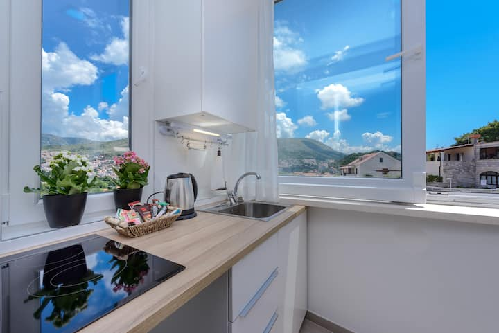 """""""M&M"""" apartment with the view"""