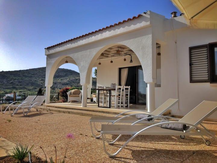 No 3 Klimataria, stunning villa, Pissouri