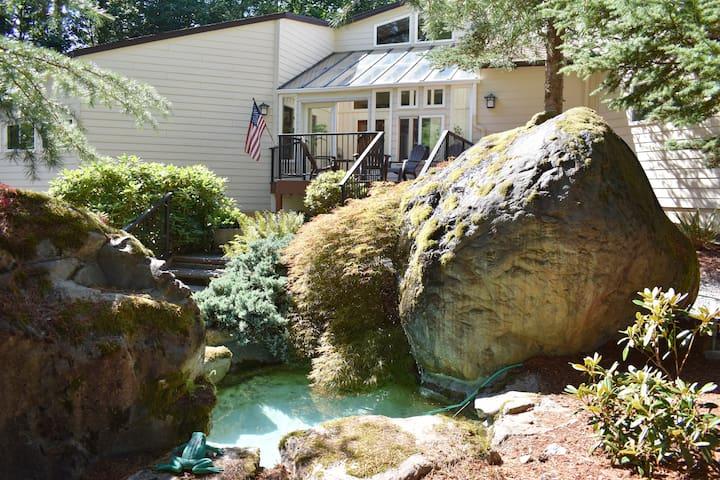 Mountain Retreat at Christmas Creek