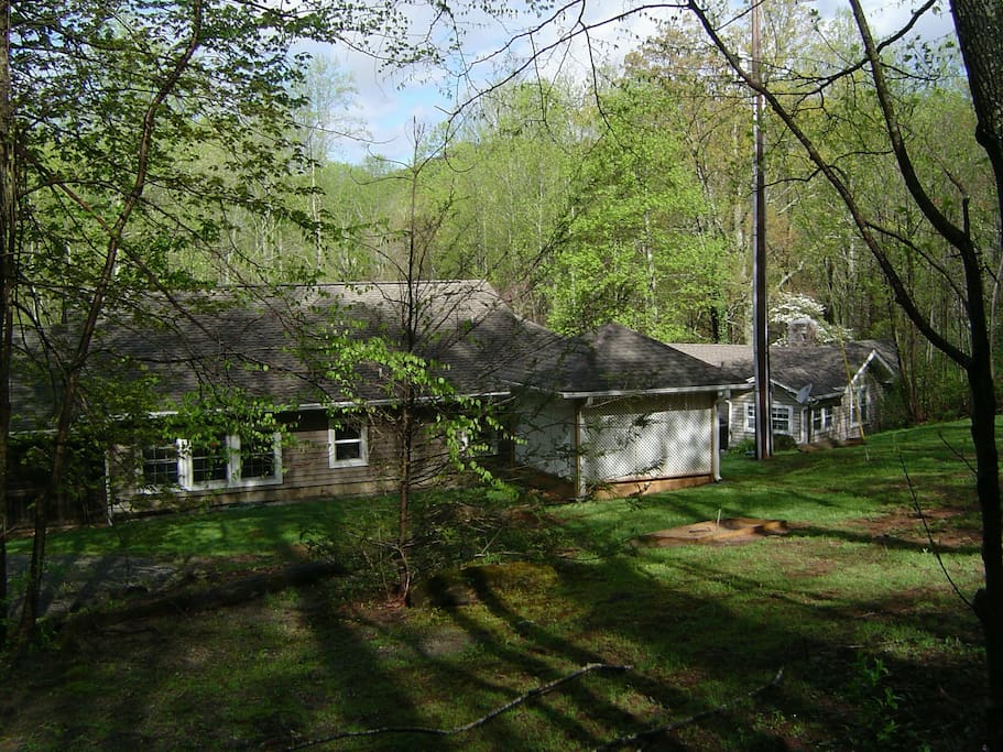 Creekside GameRoom and Mt. High House from the back side...12 miles from Asheville