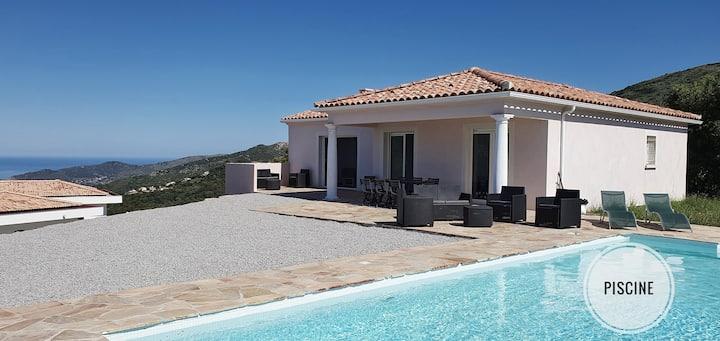 Villa sur hauteur d'Ajaccio avec Piscine vue Mer
