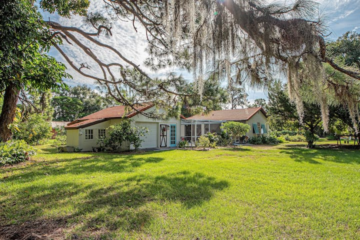 10 Best Airbnb Vacation Rentals In Englewood, Florida ...