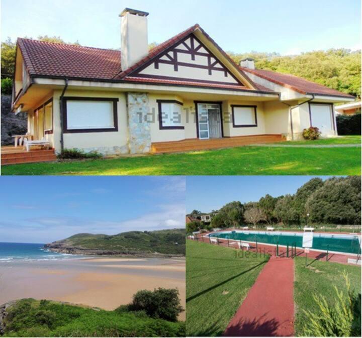 Casa con jardin junto a la playa