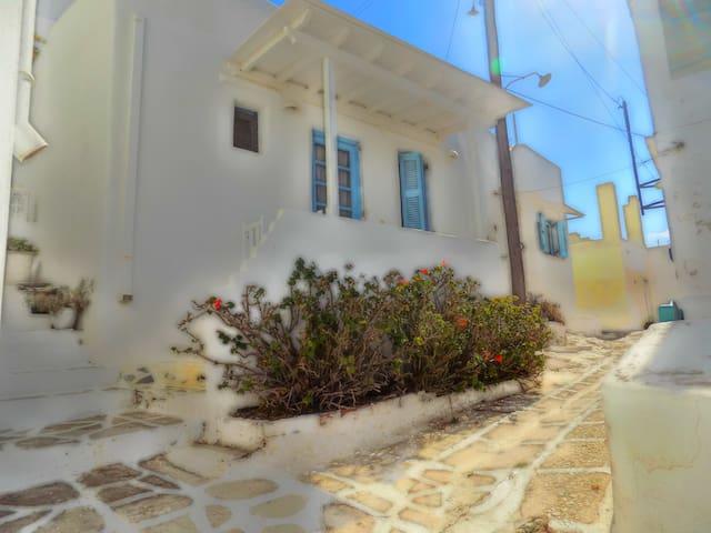 Kavarnis- Traditional house, Naousa Paros - Naousa - Huis