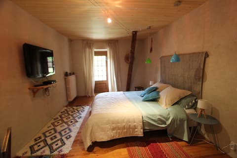 Private Bed and Breakfast suite in Loubejac