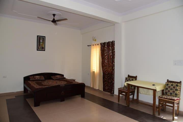 Standard Private Room - Bhopal - Rumah