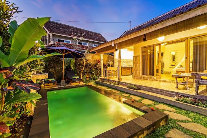Villa Raditya, Nang Locong