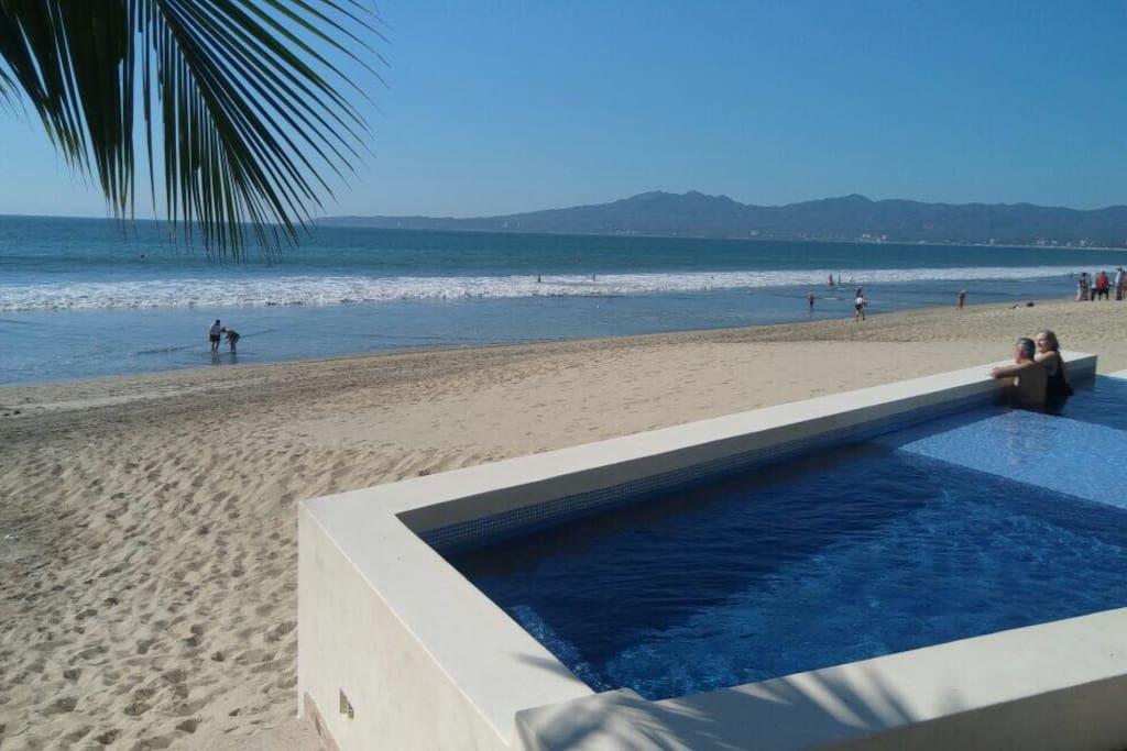 Alberca y Playa