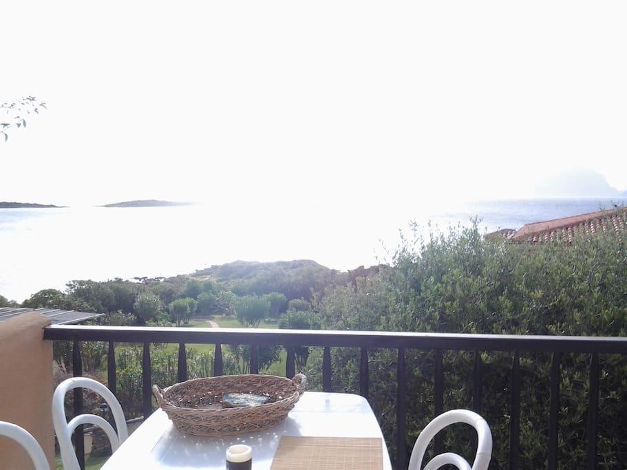 tavolo sul terrazzo