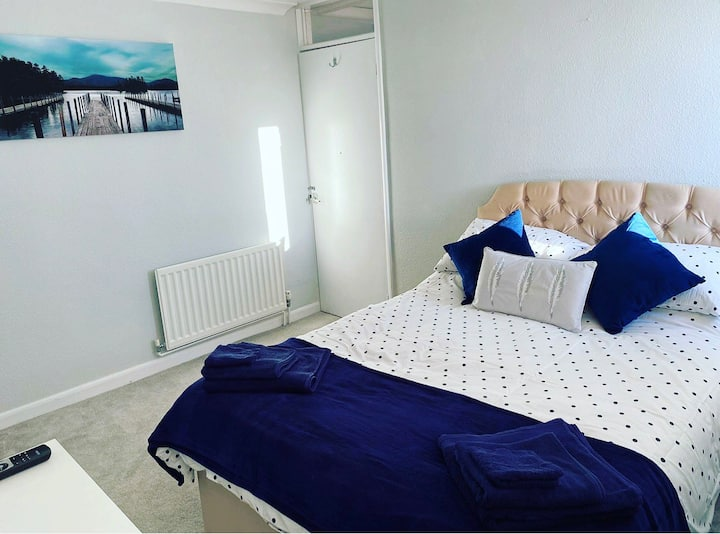 Private Room In Swanage Dorset -  Hill Views