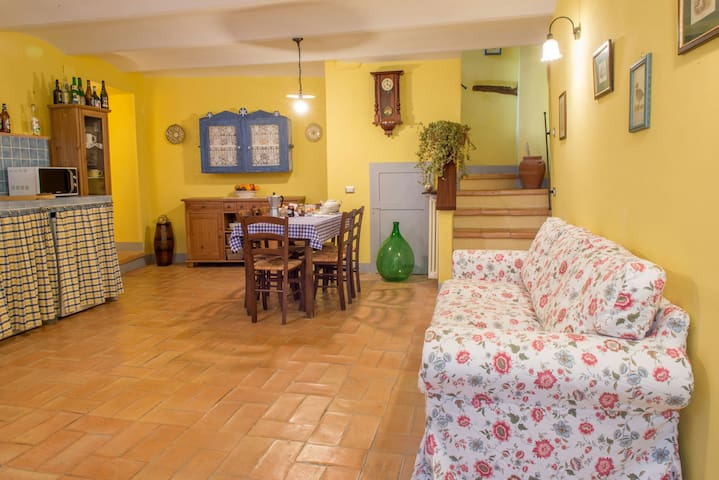 Apartment with terrace - Manciano (GR) - Apartment