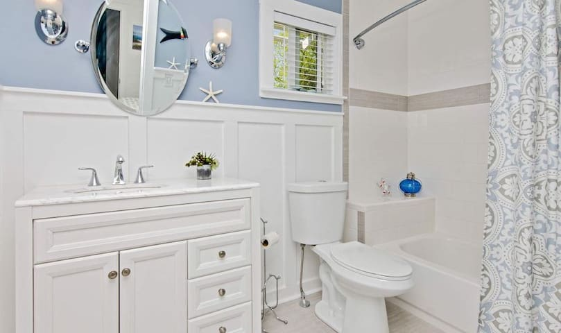 Master bath - with tub