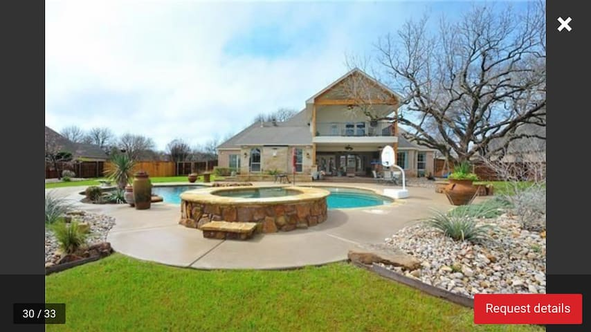 Large Home W/Pool-18 miles from FW - Weatherford