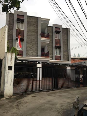 Walking distance to JlJend Sudirman - Jakarta - Apartment
