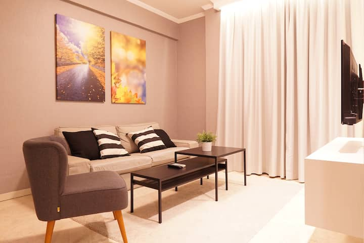 Cozy Apartment POINS, South Jakarta - 3min to MRT!