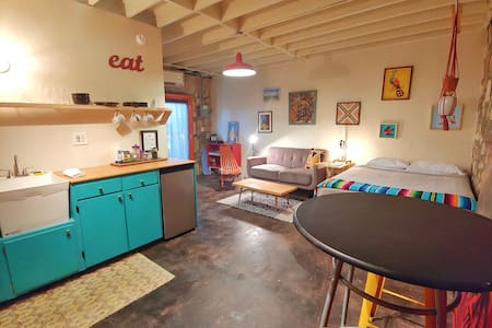 Beautifully Designed Casita Aurora, Art Oasis