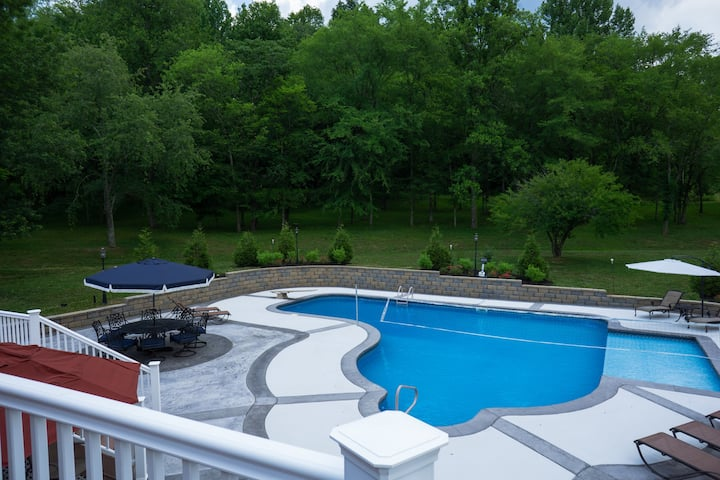 TheTempletHouse-Pool, BetterThanHotel! 5 acres!!!