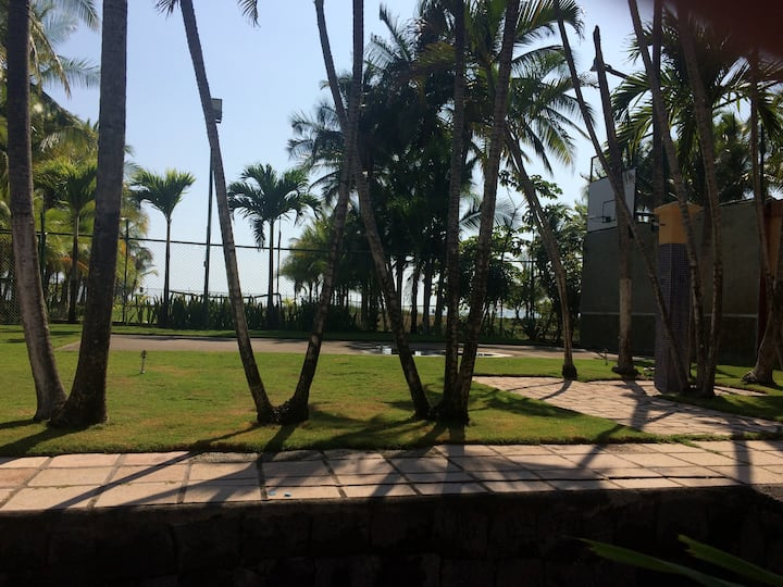 VILLA DEL ROBLE, PUNTARENAS COSTA RICA