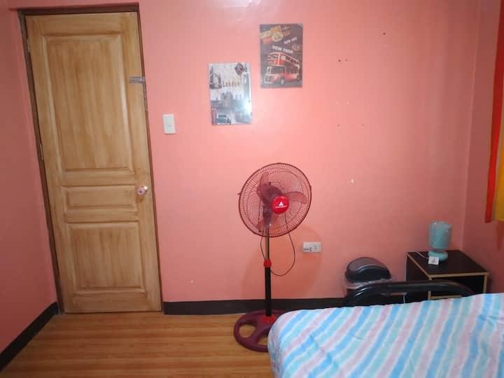 Jam EN Jill's Room A near Bayan+Fan+Netflix+WiFi