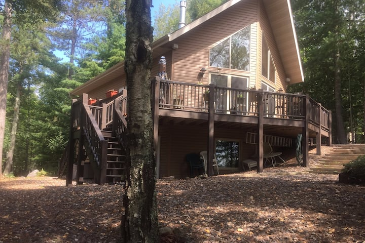 Northwoods Retreat on Very Clean Moccasin Lake