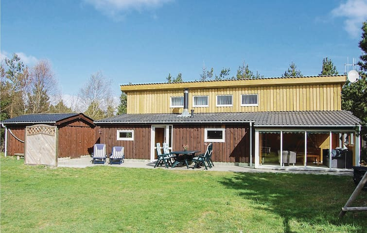 Holiday cottage with 3 bedrooms on 125m² in Nørre Nebel