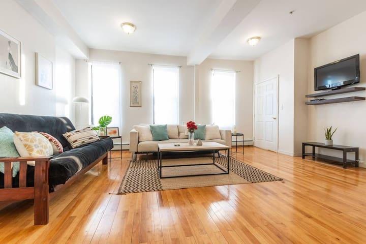 1.😷 Corona-Proof Apartment: Spacious & Bright! 😷