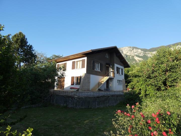 Entre lac et montagne - A 2 pas d'Aix-les-Bains