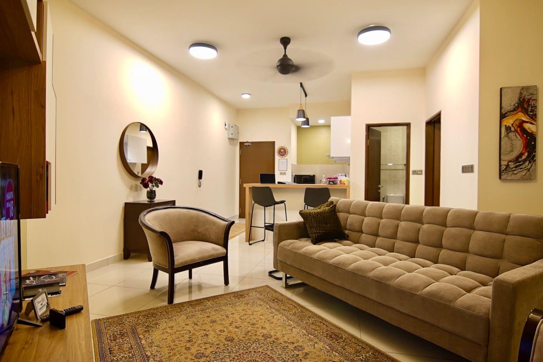 2R2B 800 sqft Luxury Apartment